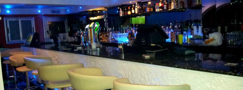 В Mello Cocktail Bar & Restaurant в Каппарисе